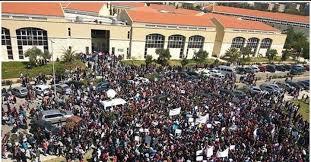خاص برس نيوز:إلى متى سيبقى طالب الجامعة اللبنانية رهينةً عوضًا عن أن يكون هو الرهان؟