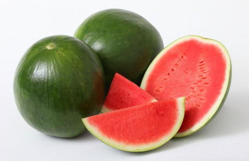 3 أسباب صحية لتناول البطيخ