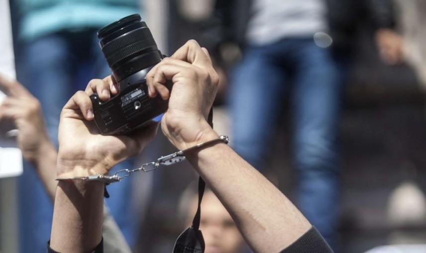 """""""دعم الصحفيين"""": الاحتلال يرتكب 28 انتهاكاً بحق الصحفيين في يوليو"""
