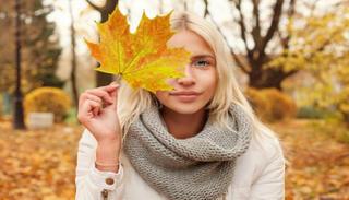 خطوات بسيطة للعناية ببشرتك في الخريف