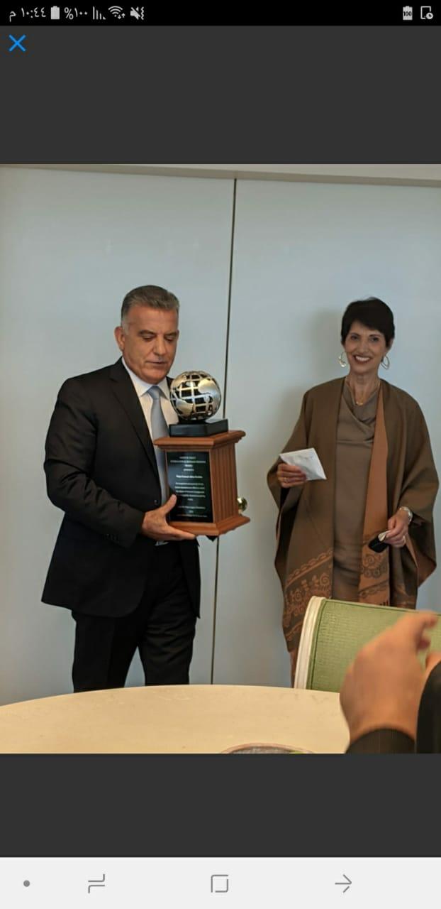 اللواء عباس ابراهيم تسلم جائزة جايمس فولي للدفاع عن الرهائن