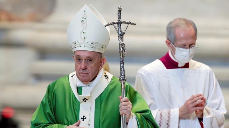الفاتيكان يحقق في كيفية وضع إعجاب من حساب تابع للبابا على صورة عارضة أزياء برازيلية