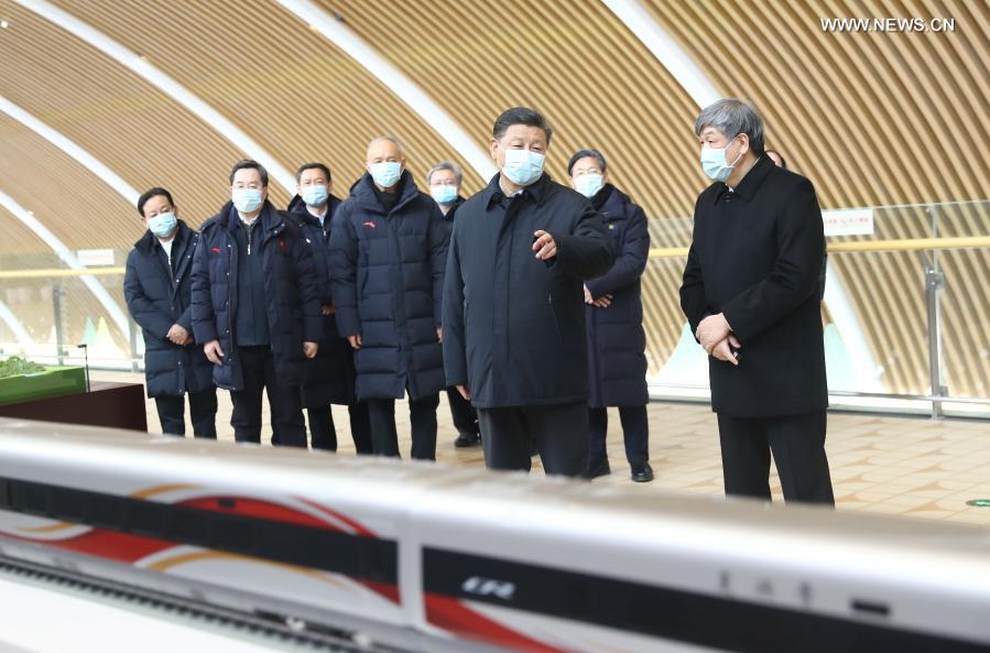 شي يتفقد منطقة تشانغجياكو للمنافسة لأولمبياد بكين 2022