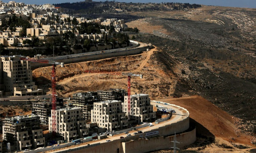 مركز حقوقي: الاحتلال يعتقل 450 مواطناً خلال يناير وتواصل استيطانها وهدم المنازل