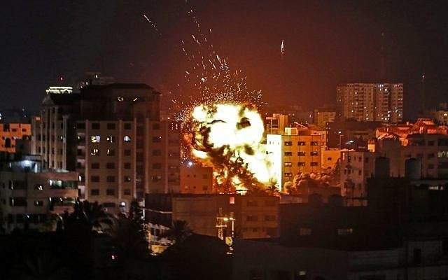معهد إسرائيلي: نحذر من سيناريو صعب قد تتعرض فيه إسرائيل لصواريخ من حزب الله وإيران والعراق وغزة