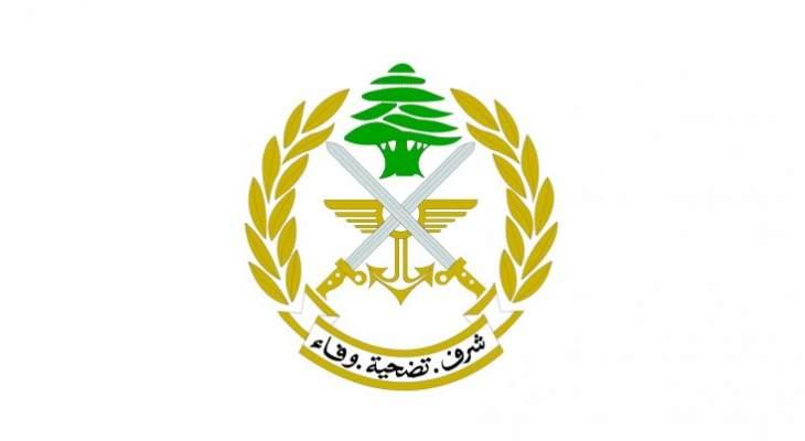 الجيش: توقيف شخص بحي السلم لاقدامه على اطلاق النار وسرقة سيارات في تواريخ سابقة