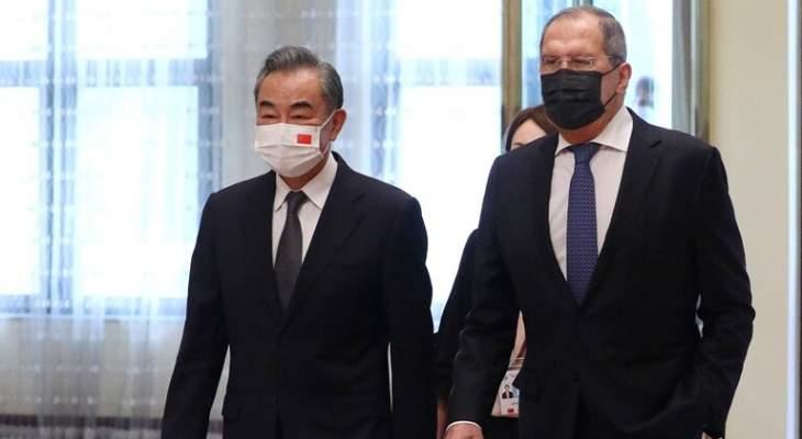 """وزير خارجية الصين: علينا وروسيا مواجهة """"كورونا"""" و""""الفيروسات السياسية"""""""