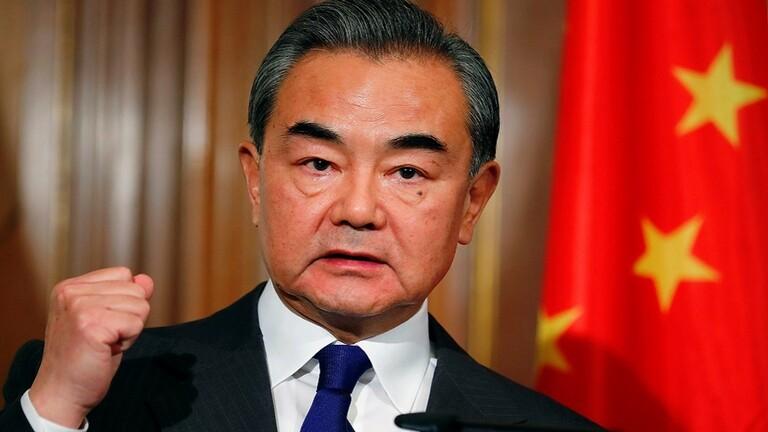 وزير الخارجية الصيني: التدخلات الخارجية في سوريا فشلت في الماضي ولن تنجح بالمستقبل