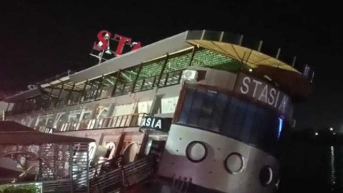 مشاهد مرعبة لغرق مطعم مصري في النيل وهروب 500 شخص