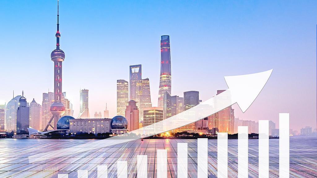 رئيس مجلس الدولة الصيني يشدد على تعزيز الأداء الاقتصادي المطرد